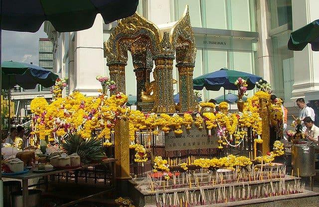 templul penisurilor din Bangkok)