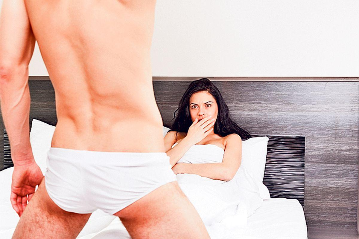 Vrei sa afli cum arata penisul lui fara sa-l dezbraci?! Uita-te la degete!