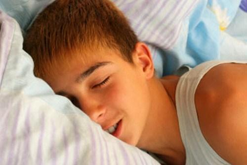 de ce nu trezit și fără erecție omul are o erecție slabă