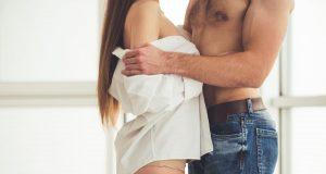 ridicați o erecție înainte de actul sexual)