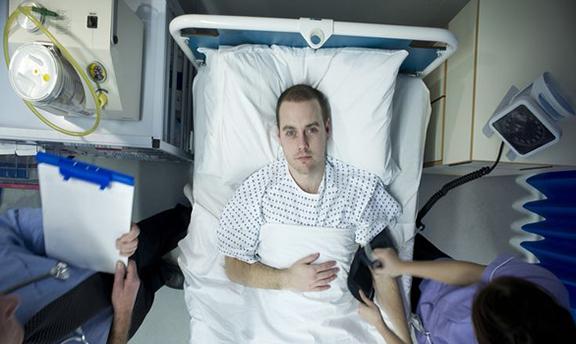 Noi simptome COVID-19: un francez de 62 de ani s-a ales cu o erecție de 4 ore