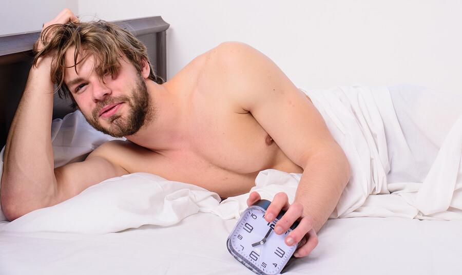 ce ar trebui să fie o erecție matinală)