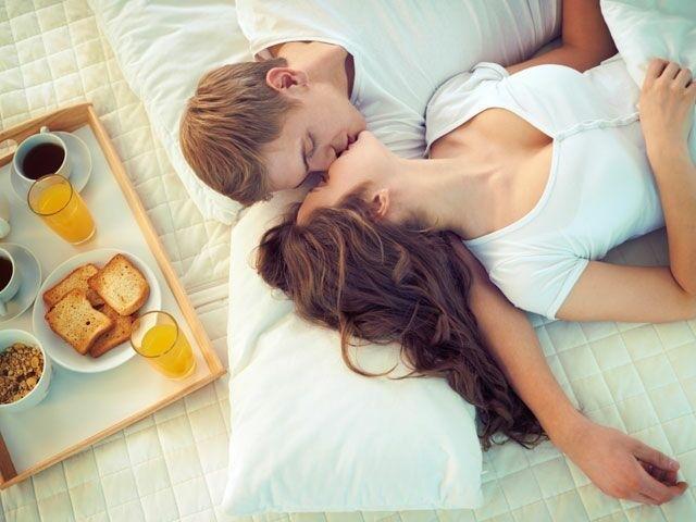 treziți- vă de la erecția de dimineață)