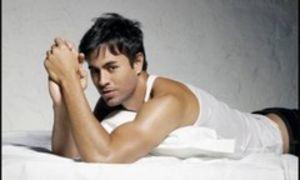 Enrique Iglesias regretă că a spus că are un penis mic