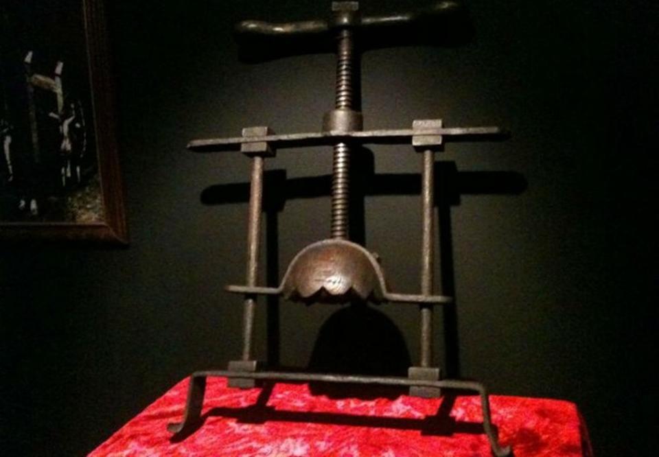 Top 10 instrumente de tortură medievale ce asigurau o moarte oribilă - univegaconstruct.ro