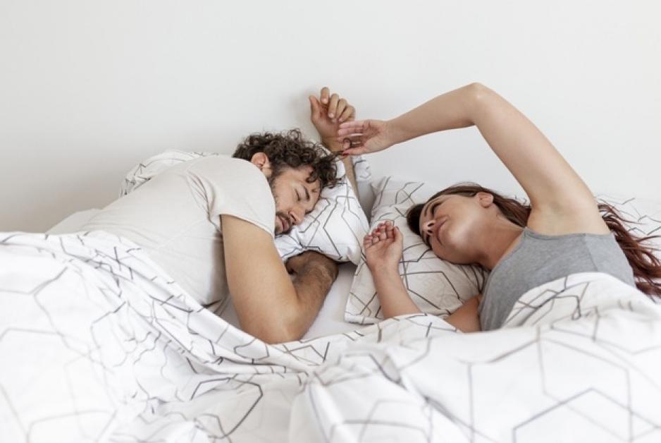 treziți- vă de la erecția de dimineață crema de mărire a penisului este reală